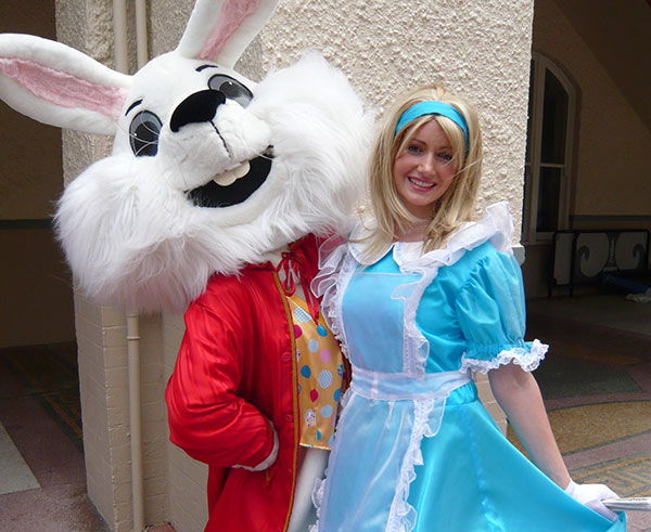Zanni-Alice-&-White-Rabbit